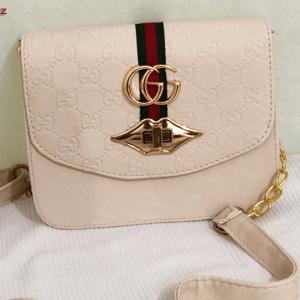 Женски чанти од познат производител